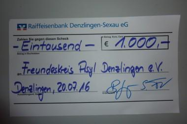 Spende der Raiffeisenbank für den Freundeskreis Asyl